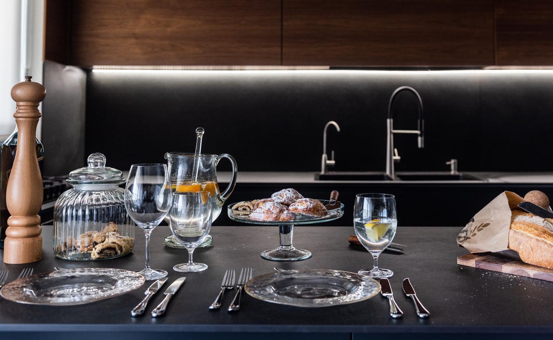 מטבח שחור / עיצוב מטבח / עיצוב דירה / דירה מעוצבת / עיצוב פנים / מיכל שיין / עיצוב וסגנון